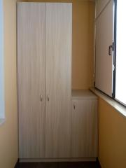 распашной шкаф на лоджию