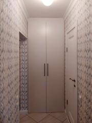 Корпусный шкаф с распашными фасадами