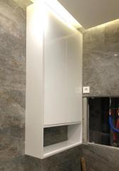 белый шкаф в ванную комнату