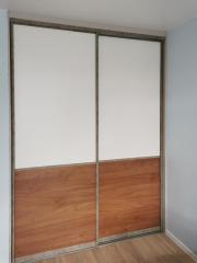 шкаф-купе с комбинированными фасадами