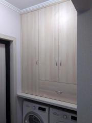 Встроенный шкаф в ванную комнату на заказ.