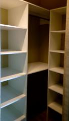 Встроенная мебель для гардеробной комнаты