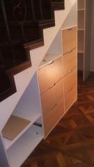 Тумба с выдвижными ящиками под лестницу