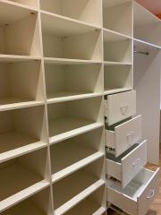 купить мебель в гардеробную комнату