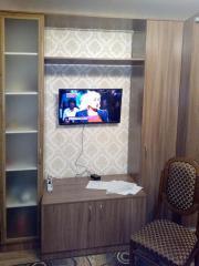 Мебель в гостиную в цвете Орех на заказ