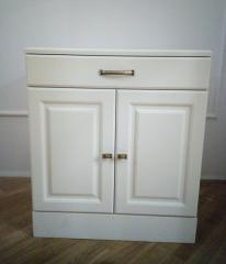 Комод белого цвета в спальню