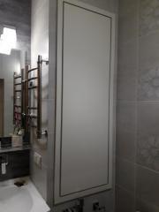 Универсальный встроенный шкаф в ванную комнату на заказ