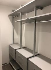 Стеллажи для хранения в гардеробную