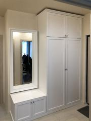 белый шкаф для верхней одежды на заказ