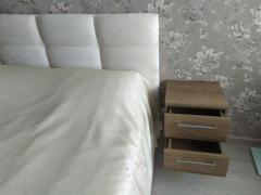 Прикроватная тумбочка в спальню