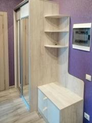 Комплект мебели в прихожую: шкаф-купе, галошница, тумба