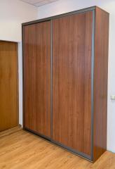2-х дверный, корпусный шкаф-купе в цвете Орех