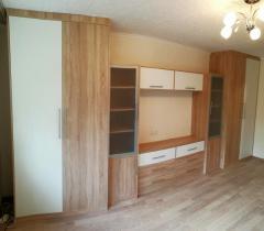 Комплект мебели в гостиную: шкафы, тумбы и полки