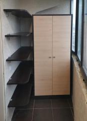 распашной шкаф и полки на лоджию