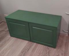 Тумба зеленого цвета в классическом стиле