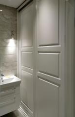 Шкаф-купе в ванную в классическом стиле