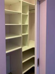 Мебель в гардеробную комнату по индивидуальному проекту