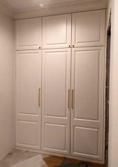 Встроенный шкаф с антресолью на заказ