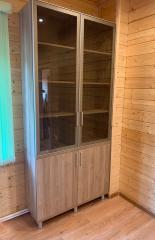 Шкаф с витринами