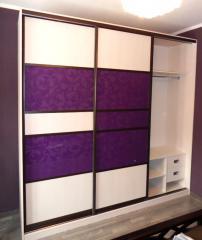 Фиолетовые цветы: шкаф-купе в комнату