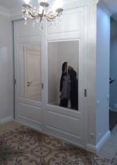 2-х дверный шкаф-купе декорированный с зеркалом