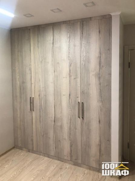 Встроенный шкаф для верхней одежды на заказ
