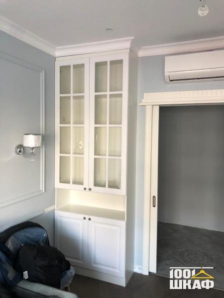 классический шкаф в гостиную