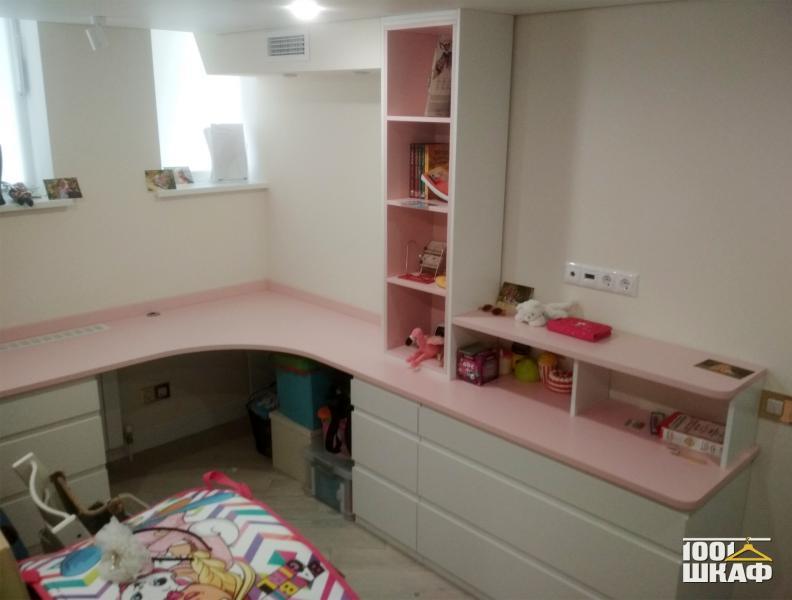 рабочее место в детскую комнату на заказ