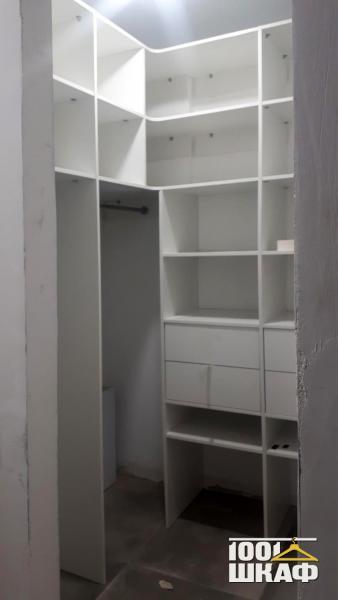 Стеллаж в гардеробную