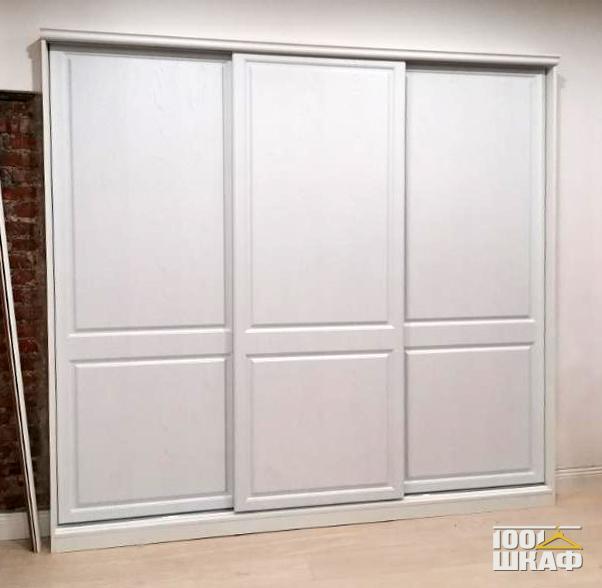 3-х дверный шкаф-купе в классическом стиле