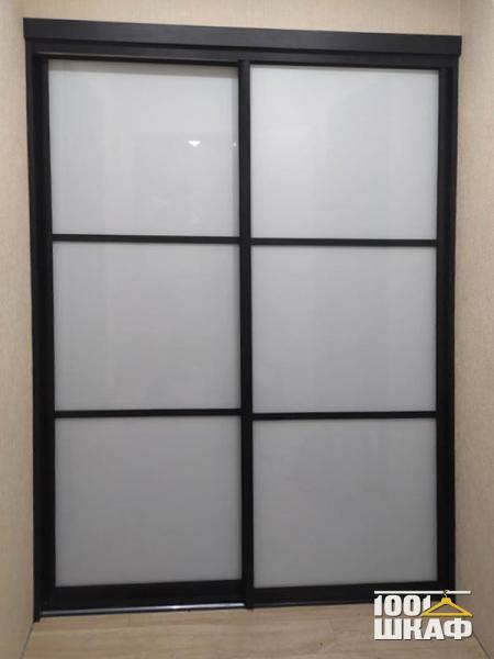 Шкаф-купе для одежды в японском стиле