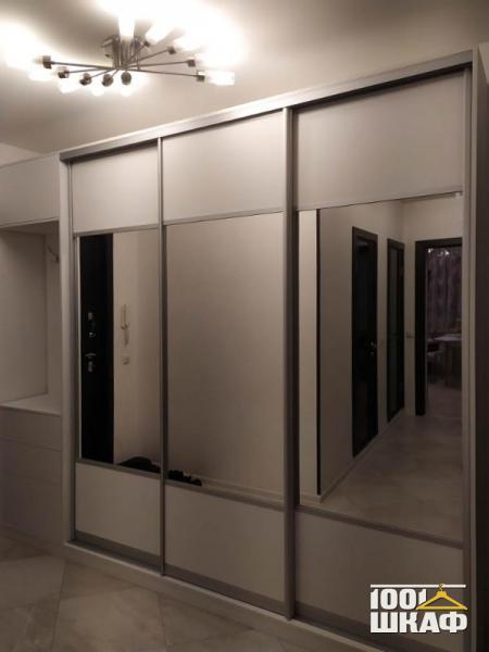 Шкаф-купе для одежды в прихожую