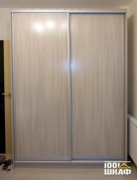 Корпусный шкаф-купе для верхней одежды