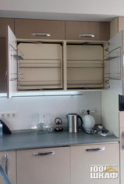 Кухонный гарнитур в цвете белый глянец