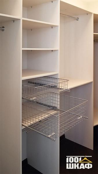 корзины и ящики в гардеробную