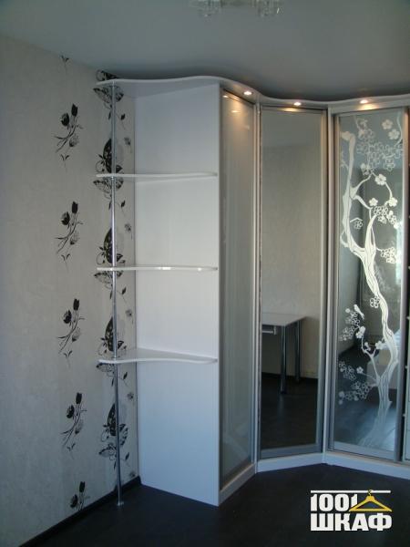 Угловой шкаф с зеркалами - заказать угловой шкаф с зеркалом .
