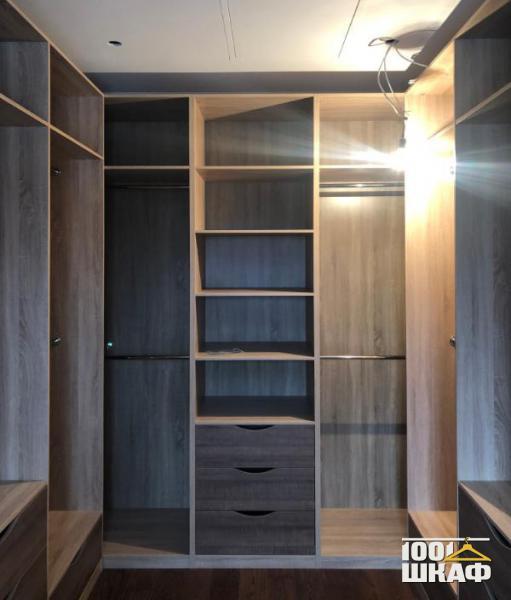 Шкаф для хранения в гардеробную комнату
