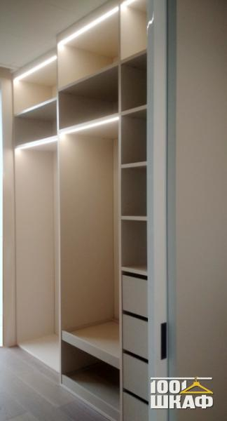 Мебель в гардеробную по индивидуальному проекту