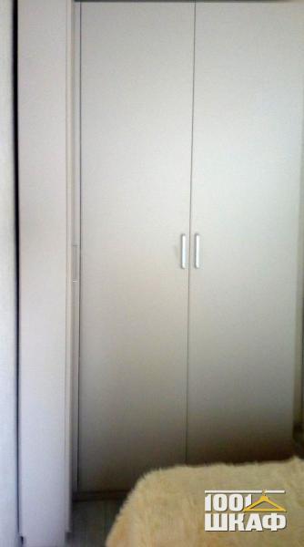 угловой шкаф белого цвета