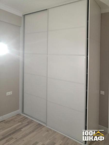 2-х дверный шкаф-купе с белыми фасадами