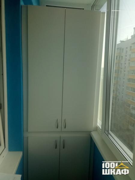 Белый распашной шкаф для хранения