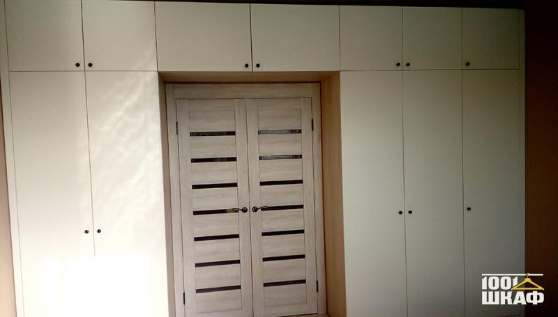 П-образный шкаф с антресолью
