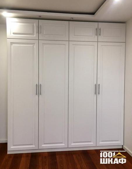 Корпусный белый шкаф с антресолью