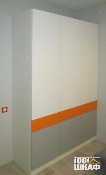 Дизайнерский шкаф для одежды
