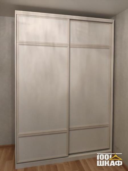 классический шкаф-купе для одежды