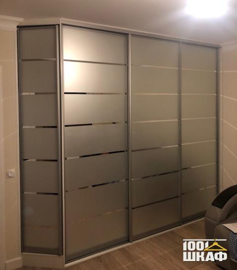 Шкаф-купе с пескоструйной обработкой фасадов