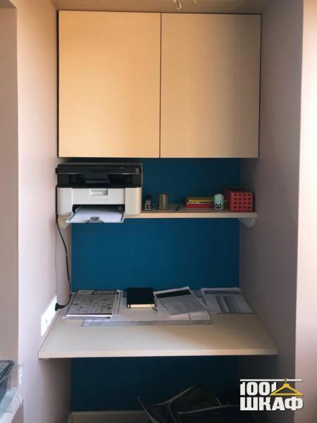 Письменный стол в комнату
