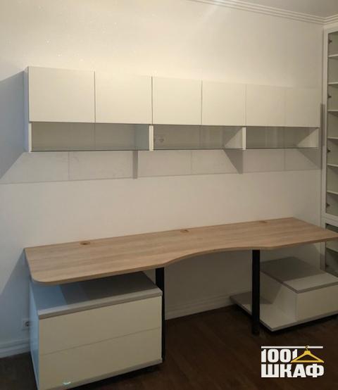 Письменный стол с закругленными углами