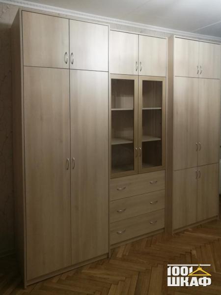 Комплект мебели в гостиную: два распашных шкафа
