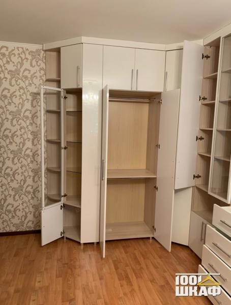 белый шкаф с антресолью по индивидуальному проекту